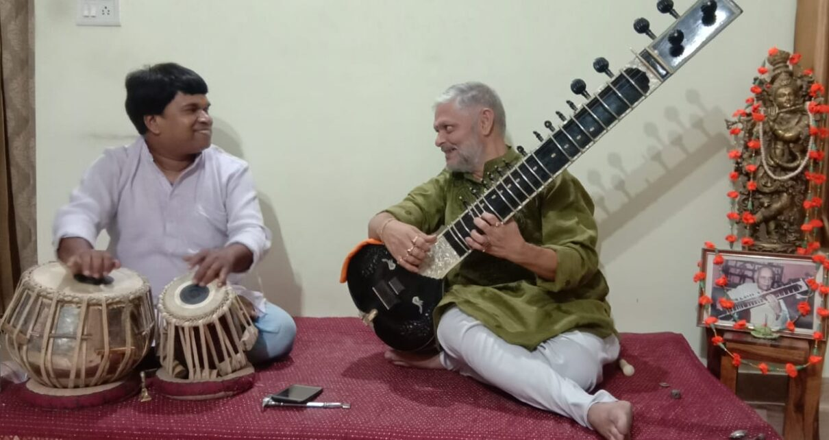 Sitar Performance live by Akhilesh Sapre and Lokesh Malviya on Tabla 2020 June