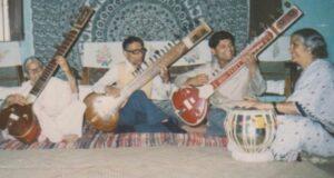 Sapre Parivar performing together